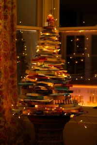 ChristmasTreeOBooks